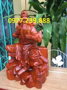 Quan công gỗ hương ngồi đọc sách cao 30cm
