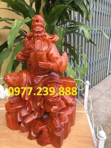 tượng quan công ngồi đọc sách bằng gỗ hương 40cm