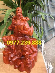tượng quan công ngồi đọc sách bằng gỗ hương 50cm