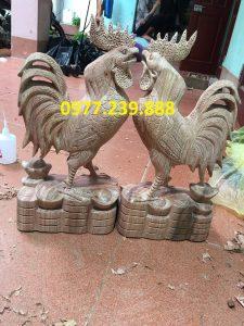Tượng gà trống bằng gỗ hương