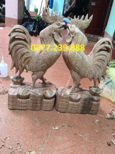 Tượng gà trống gỗ hương đá