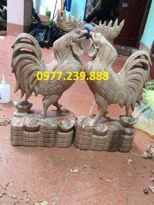 Tượng gà trống gỗ hương vân