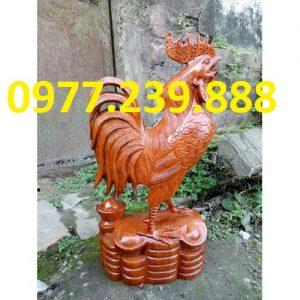 Tượng gỗ con gà phong thủy