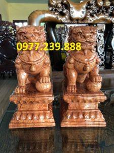 bán tượng kỳ lân phong thủy bằng gỗ hương
