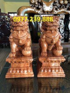 bán tượng kỳ lân phong thủy bằng gỗ hương ta