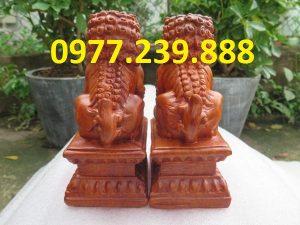 cặp linh vật kỳ lân bằng gỗ hương 20cm