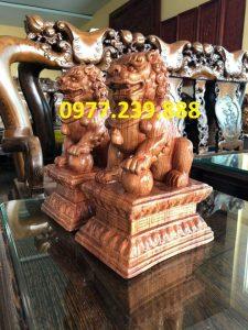 cặp tượng kỳ lân phong thủy gỗ hương giá rẻ