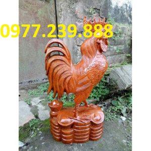 cửa hàng bán tượng gà bằng gỗ hương