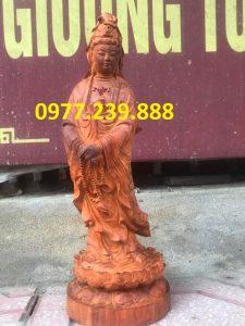 phật tượng quan âm đứng bằng gỗ hương đỏ