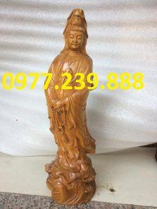 tượng bà đứng đài sen gỗ bách xanh 60cm