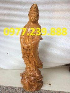 tượng bà đứng đài sen gỗ bách xanh 70cm