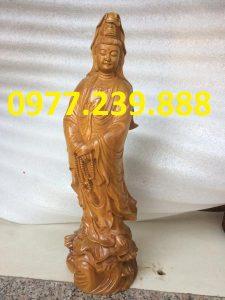 tượng bà đứng đài sen gỗ bách xanh 80cm