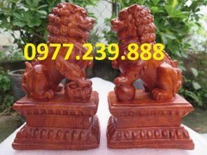 tượng cặp kỳ lân bằng gỗ hương