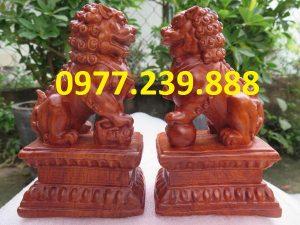 tượng cặp kỳ lân gỗ