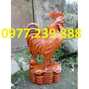 tượng gà phong thủy gỗ hương vân