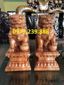 tượng kỳ lân phong thủy bằng gỗ hương