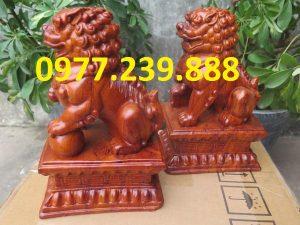 tượng linh vật kỳ lân bằng gỗ hương lào