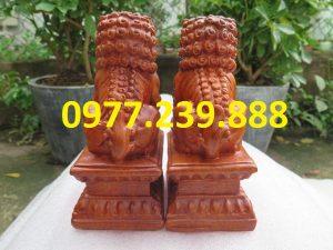 tượng linh vật kỳ lân gỗ hương đỏ