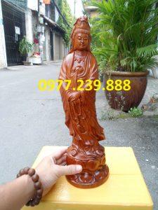 tượng quan âm đứng đài sen bằng gỗ hương lào