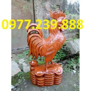 tuong con ga phong thuy bang go huong 50cm